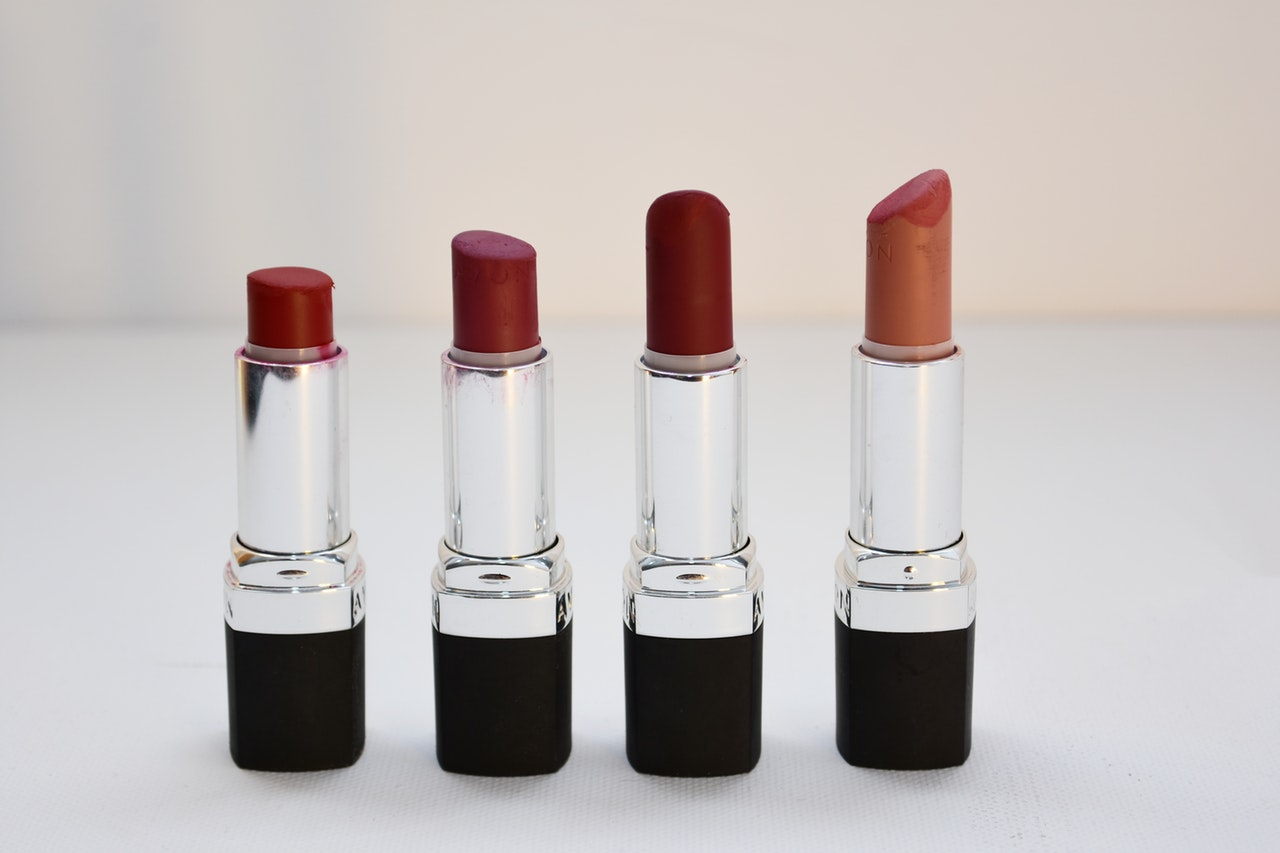 assorted-cosmetics-lipsticks-1625037